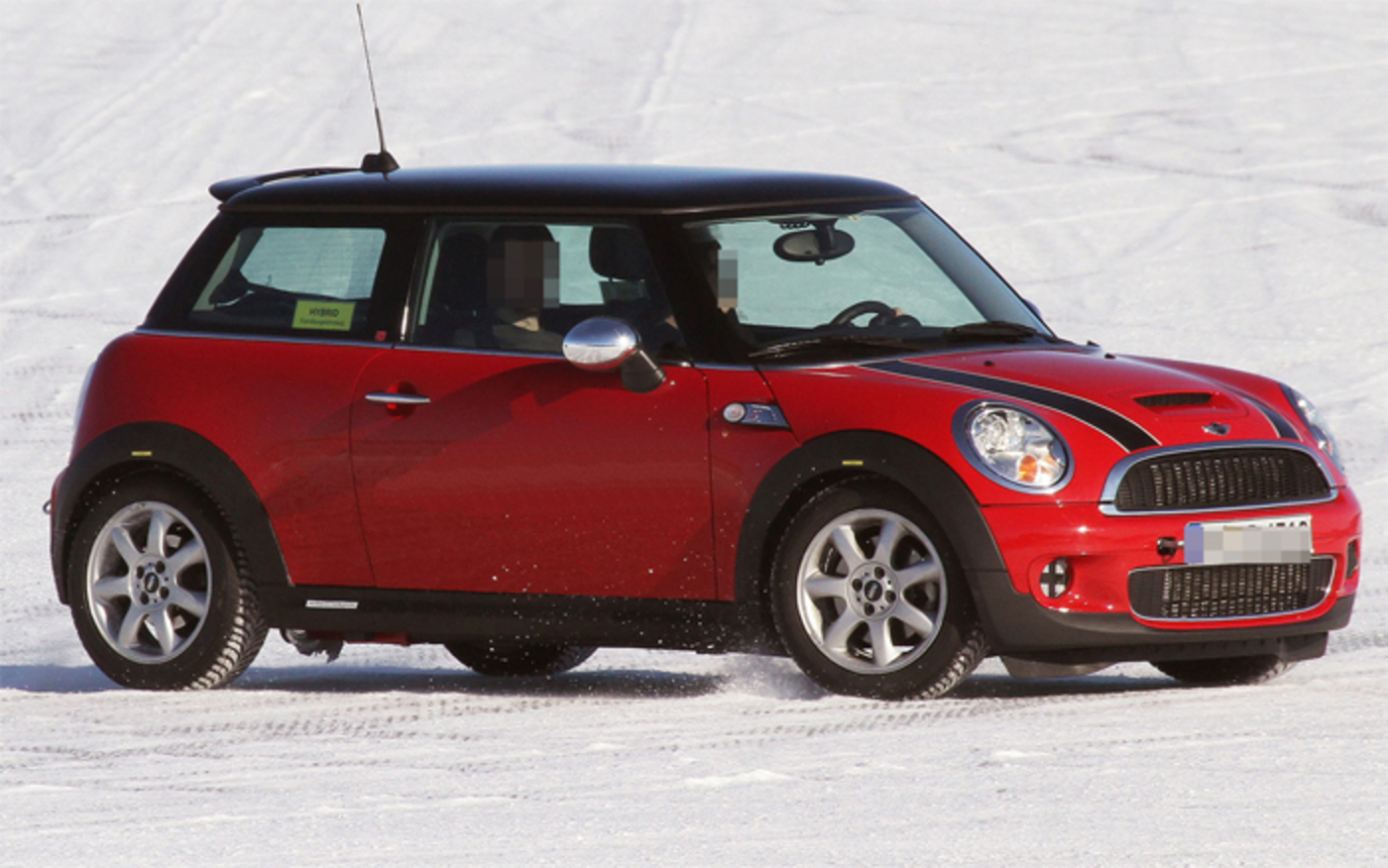 Mini Cooper S Hybrid All Wheel Drive: Spotted!