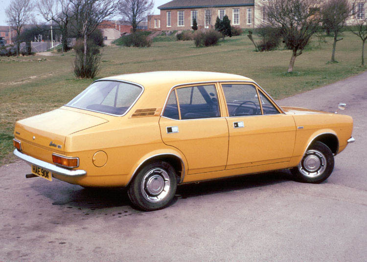 File:Morris.marina.arp.750pix.jpg - Wikipedia, the free encyclopedia