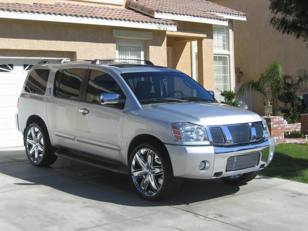 Car info of Nissan Armada SE 4X4. VehicleMy.