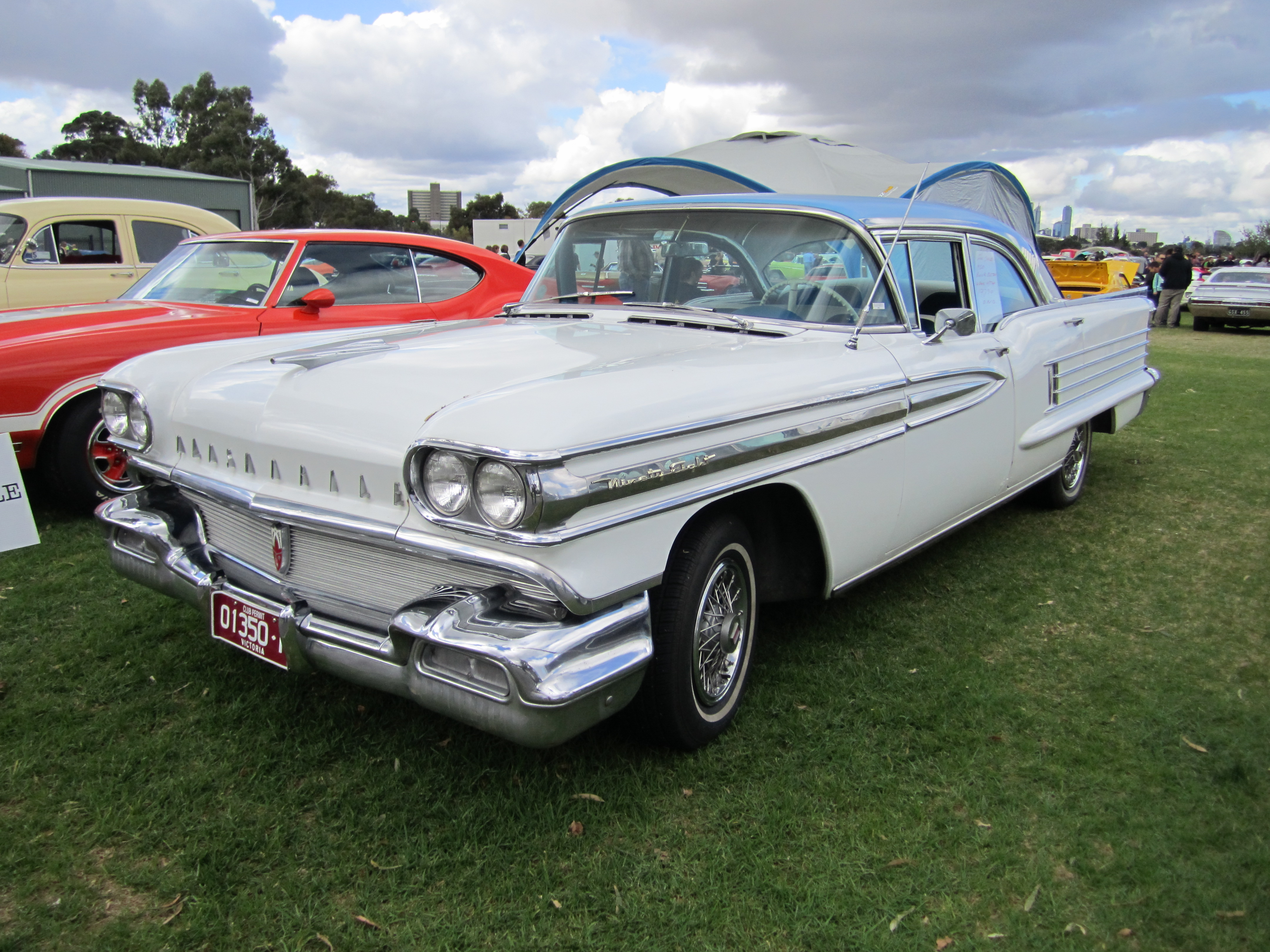 File:1958 Oldsmobile 98 Sedan.jpg - Wikipedia, the free encyclopedia