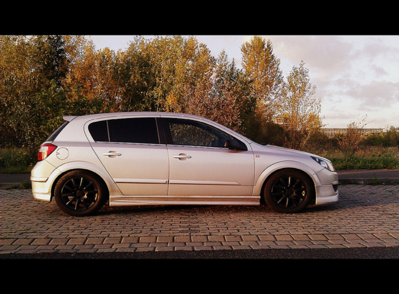 Opel Astra H OPC-Line | Flickr - Photo Sharing!