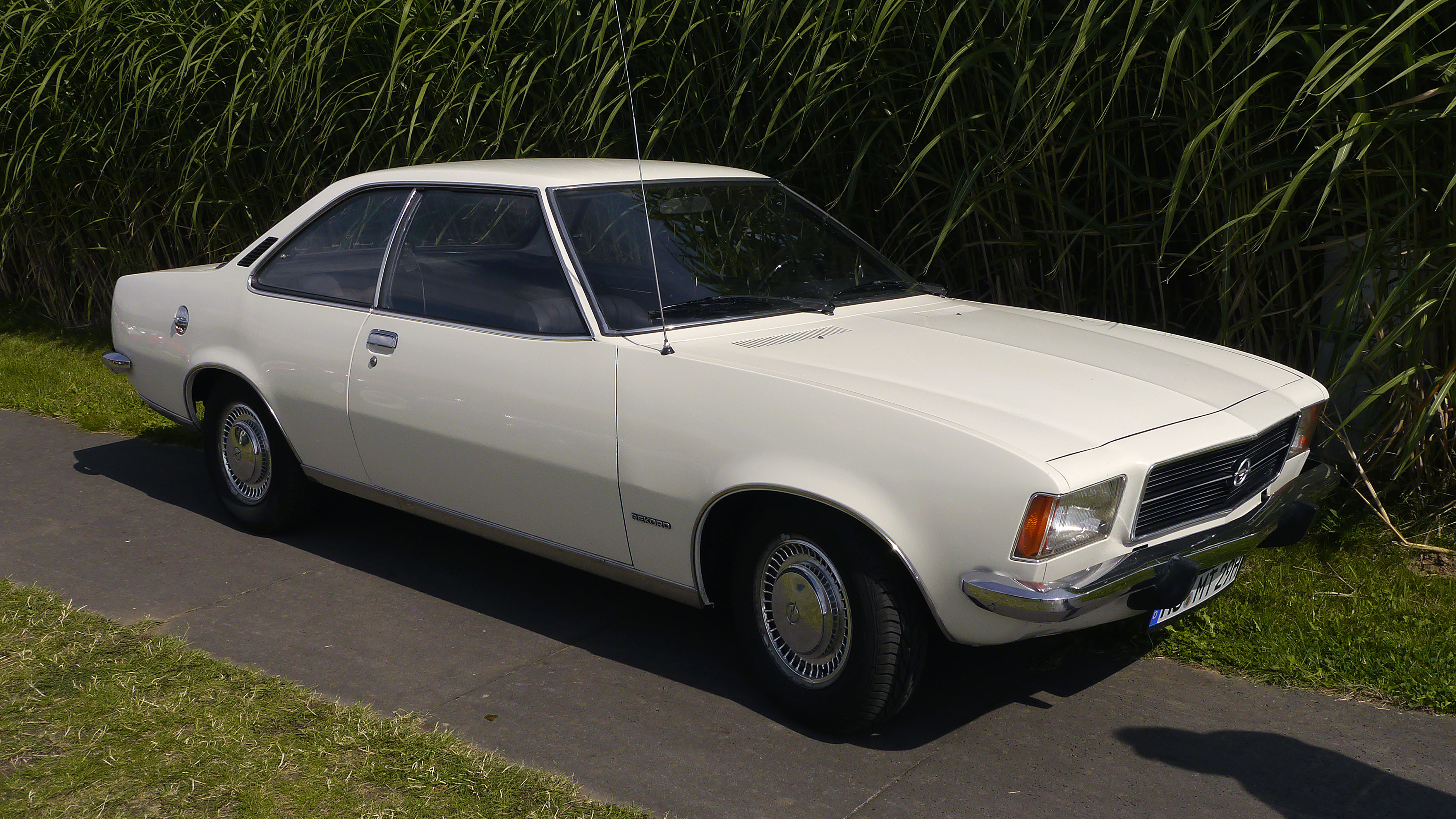 Opel Rekord D 1700 Coupé | Flickr - Photo Sharing!