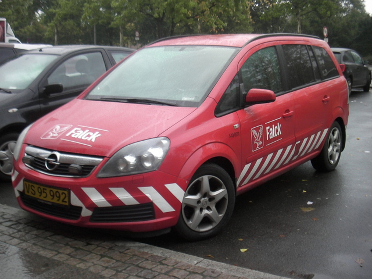 Opel Zafira Flexivan Emergency Manager - Falck - Parked In the ...