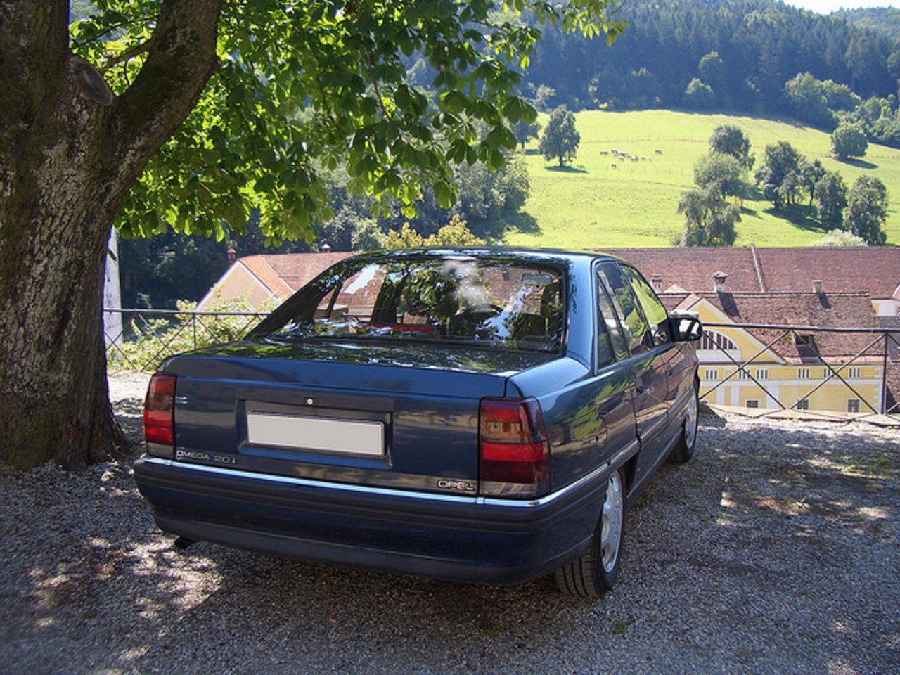 Opel Omega A | Flickr - Photo Sharing!