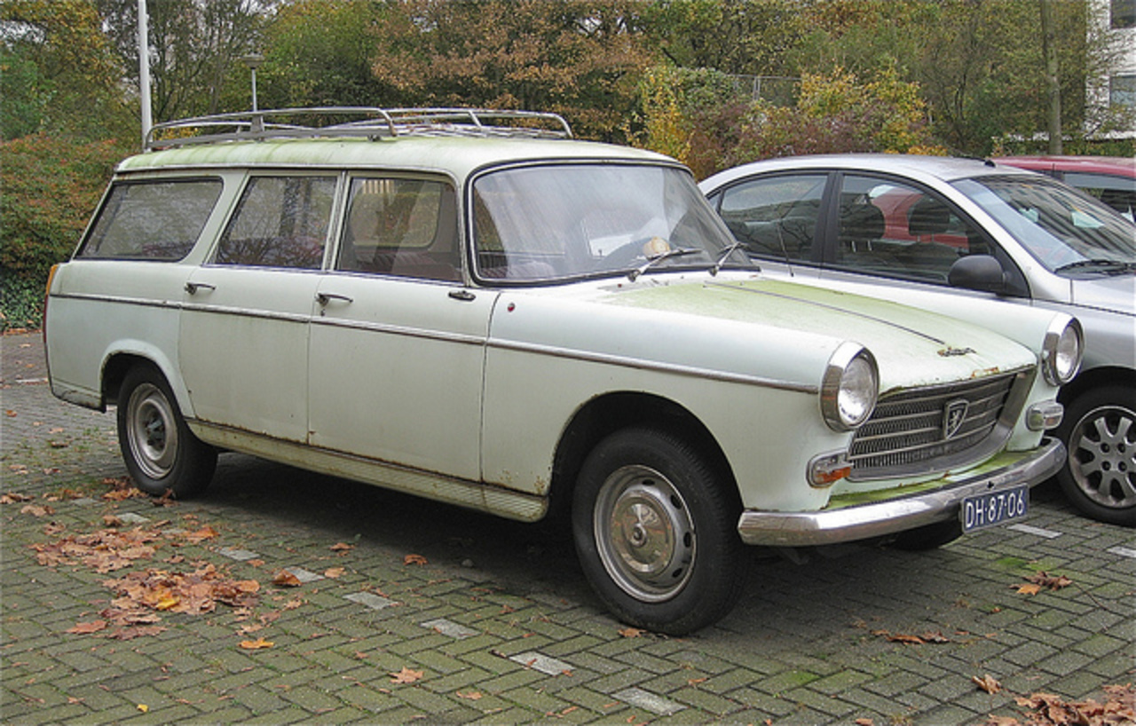 Flickr: The Peugeot 404 Pool