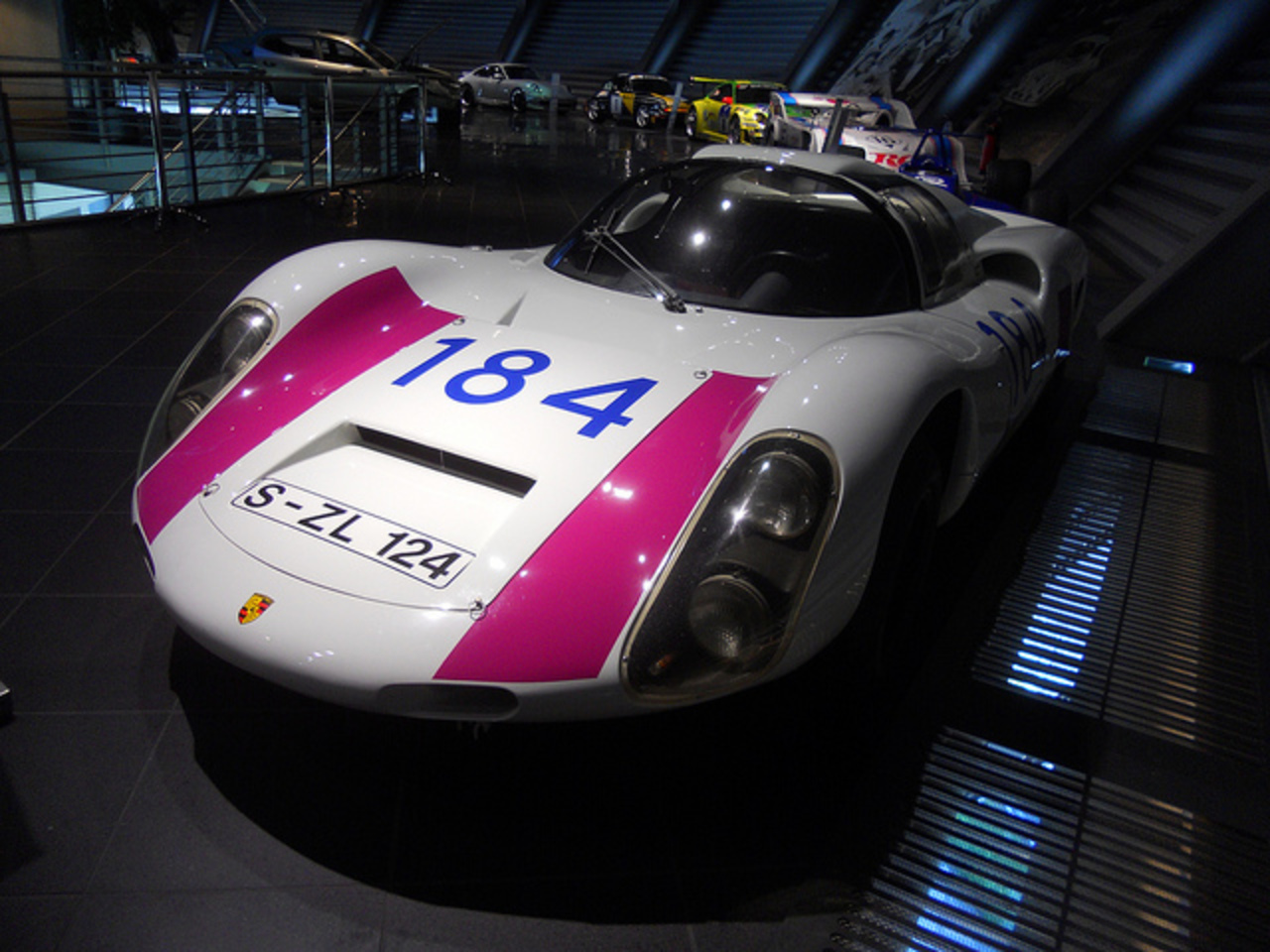 Porsche 910-6 (1967) - 1991 cc 220 CV air-cooled-boxer-engine Vmax ...