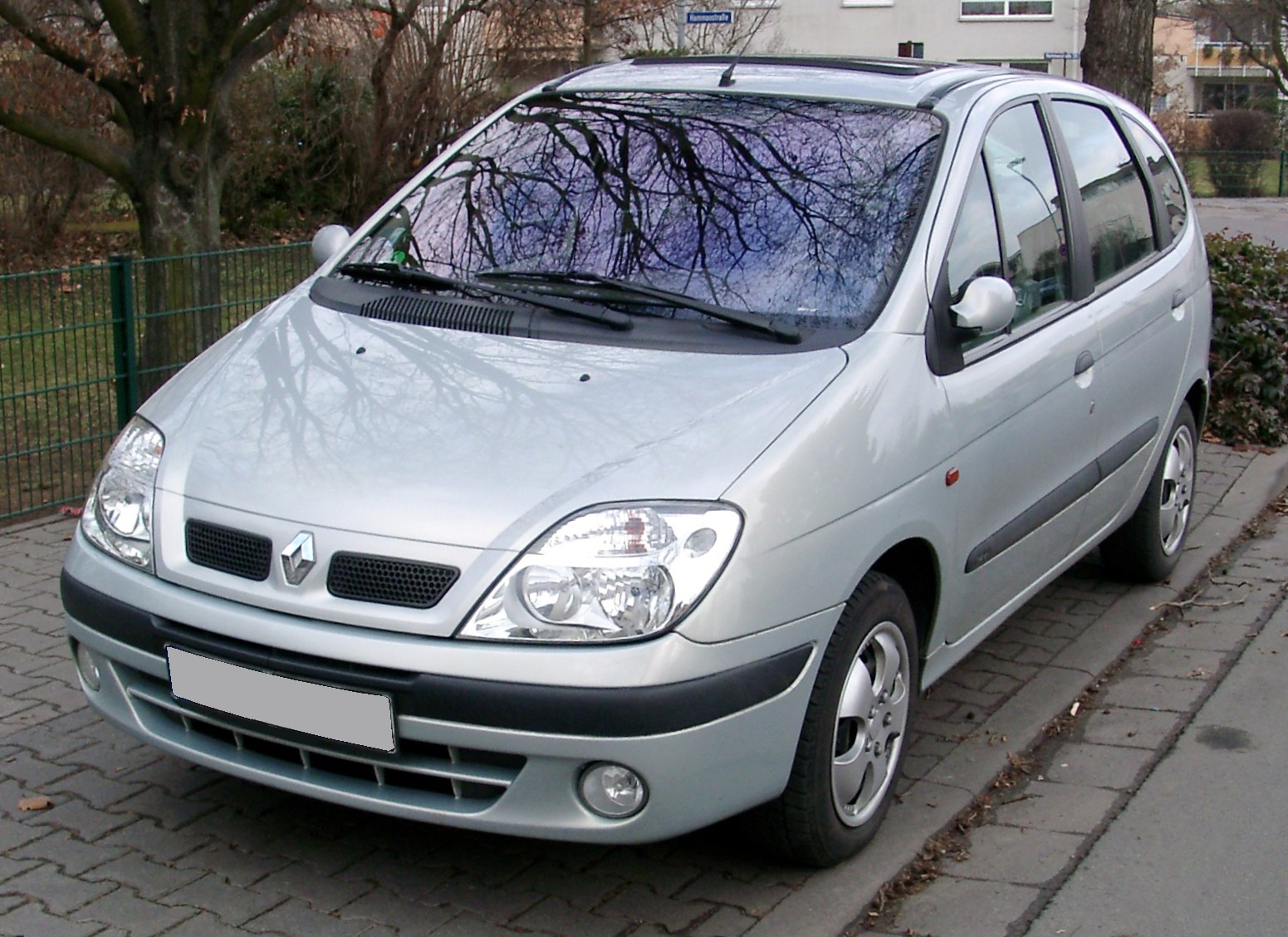 File:Renault Scenic front 20080102.jpg - Wikimedia Commons