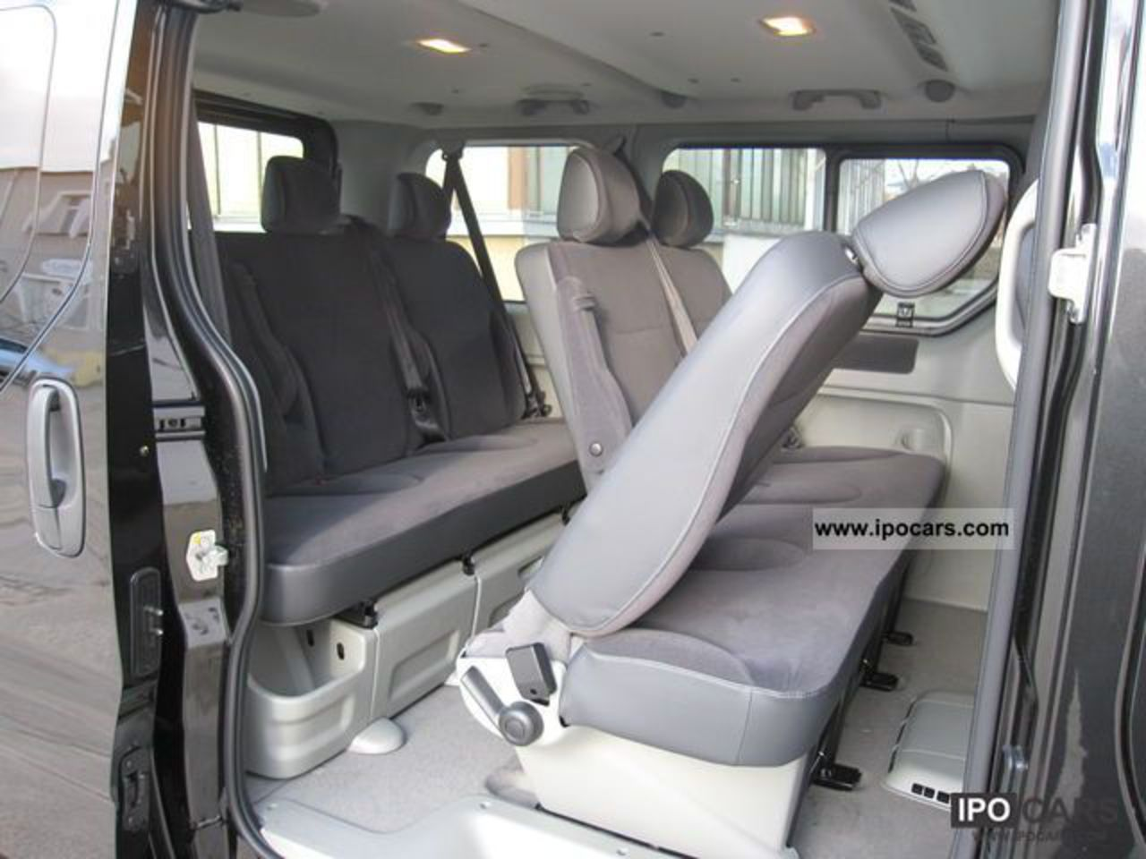 topworldauto photos of renault trafic passenger photo. Black Bedroom Furniture Sets. Home Design Ideas