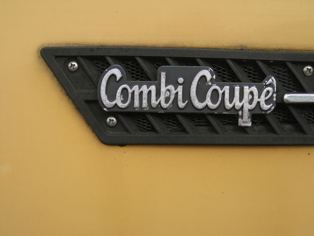 51-MZ-37 SAAB 99 GL combi coupé, 1976, emblem | Flickr - Photo ...