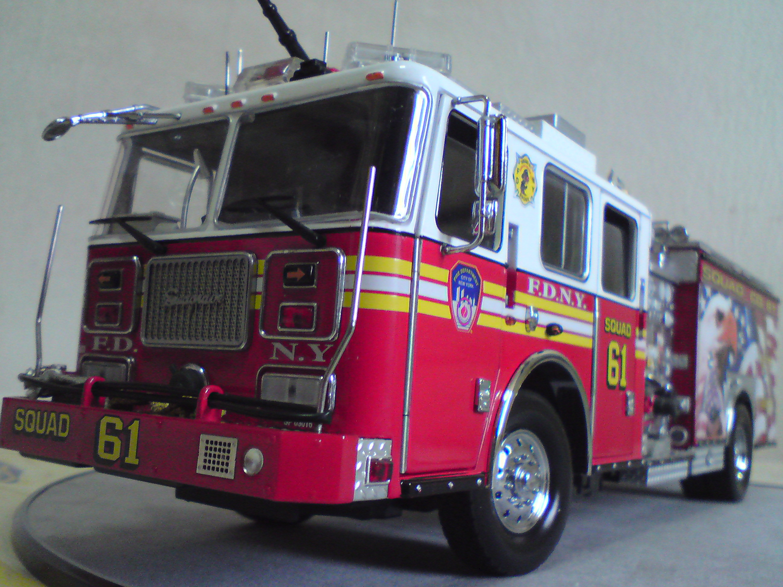 1/32 FDNY SEAGRAVE PUMPER SQUAD 61 | Flickr - Photo Sharing!