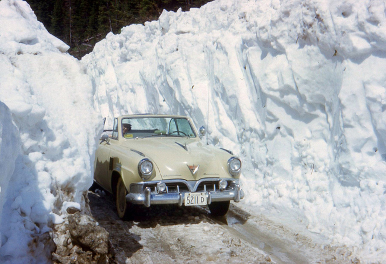 1952 Studebaker Commander convertible / Driving thru an avalanche ...