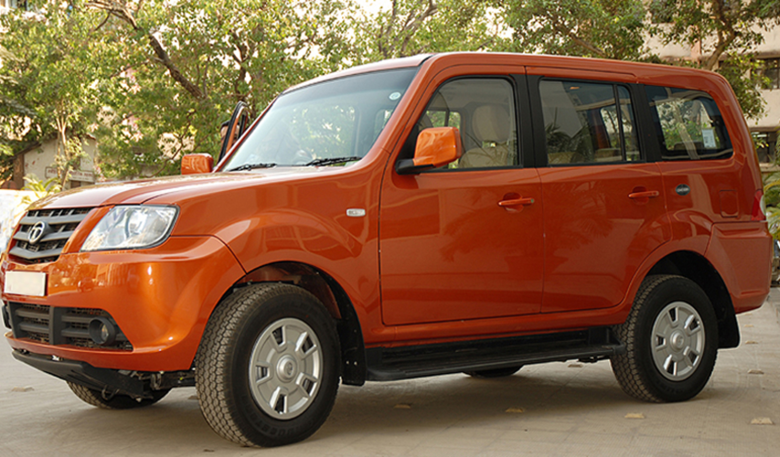 Tata Sumo EX 20 TDi Photo Gallery: Photo #05 out of 11, Image Size ...