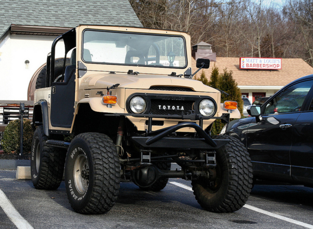 Flickr: The FJ40 the legend! Pool