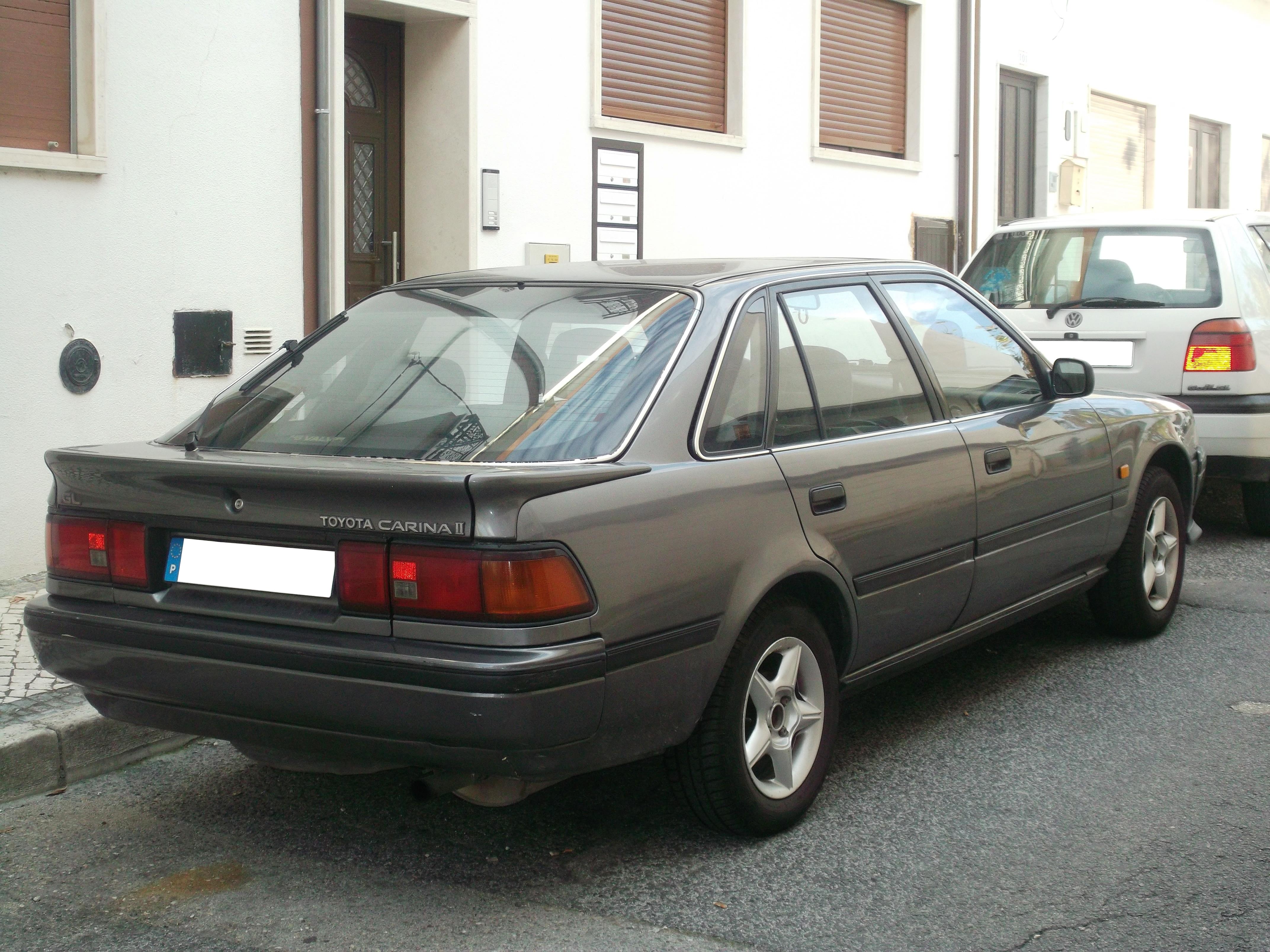 Toyota Carina — Википедия