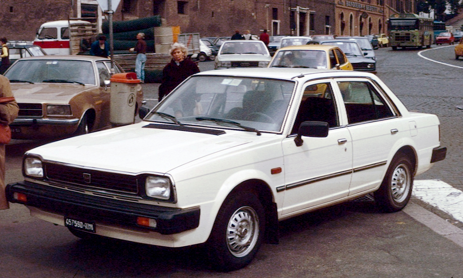 File:Triumph Acclaim in Rome.jpg - Wikimedia Commons