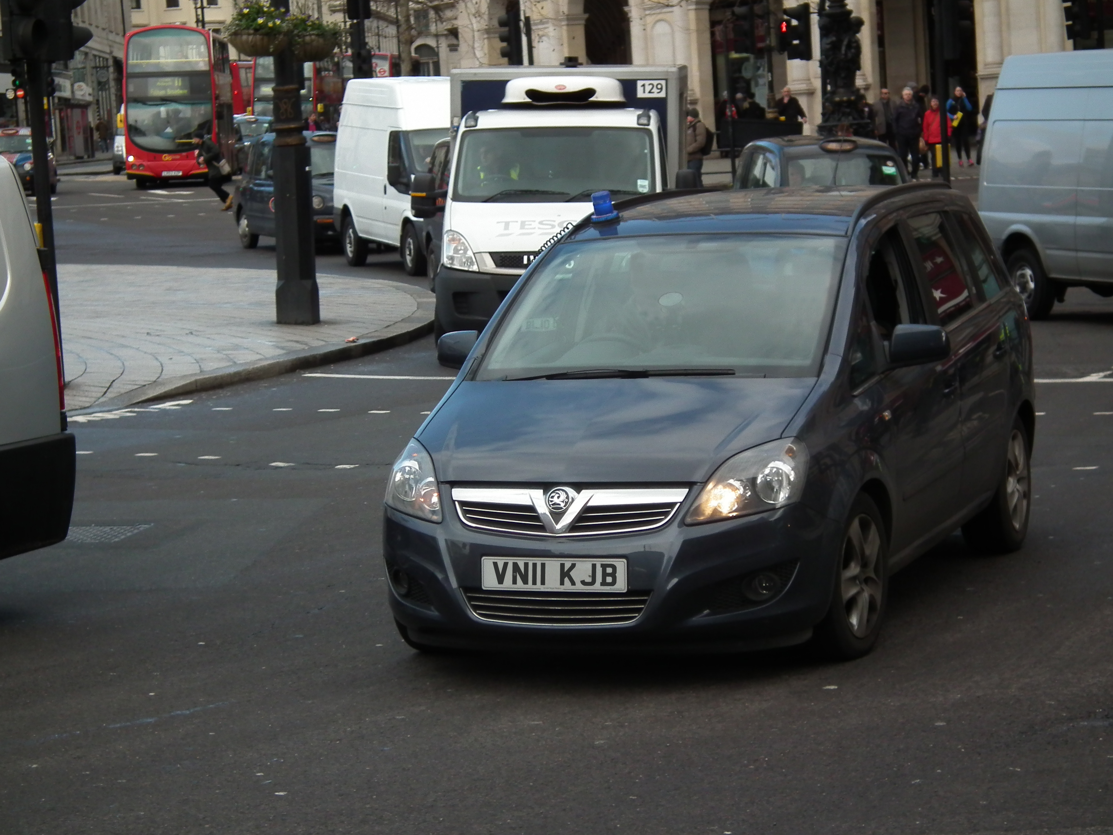 Unmarked Met Police Vauxhall Zafira | Flickr - Photo Sharing!