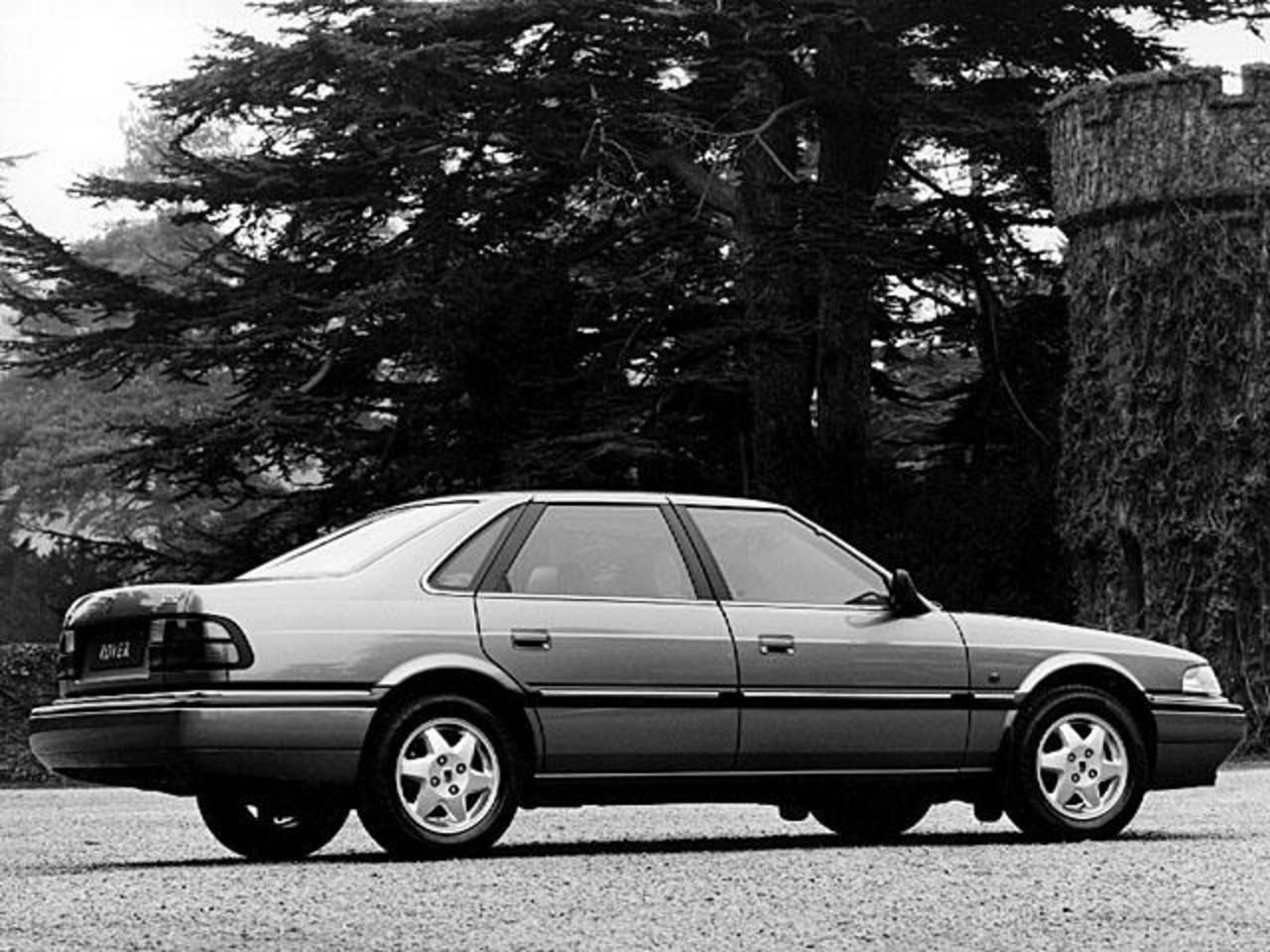 Rover 820 Si 4-door saloon 1992