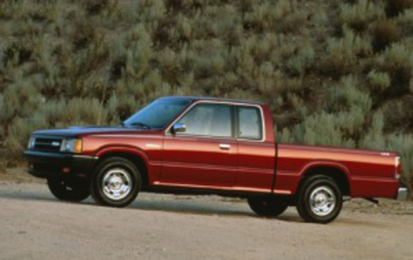 What is a style? 1992 Mazda B-Series Pickup 2 Dr B2600i Extended Cab SB