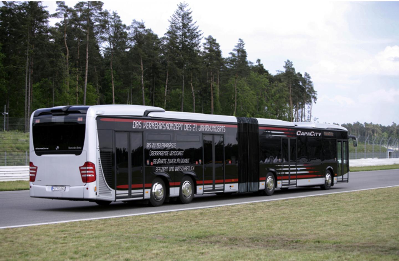 Topworldauto photos of mercedes benz bus photo galleries for Mercedes benz tour bus