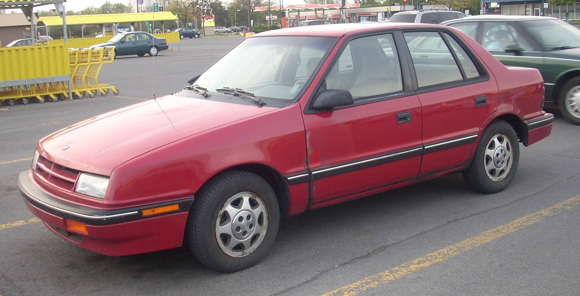 File:'89-'91 Dodge Shadow 5-Door.JPG