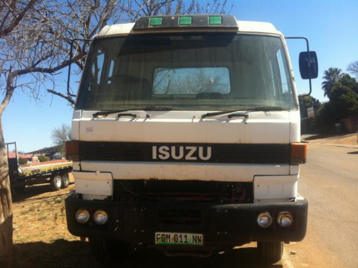isuzu cvr 8 ton - Klerksdorp - Commercial vehicles - ade engines