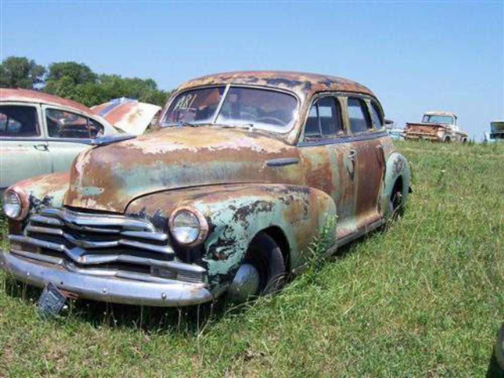 Image 2 : 1948 CHEVROLET FLEETMASTER, 4DR, COMPLETE, HAS RU
