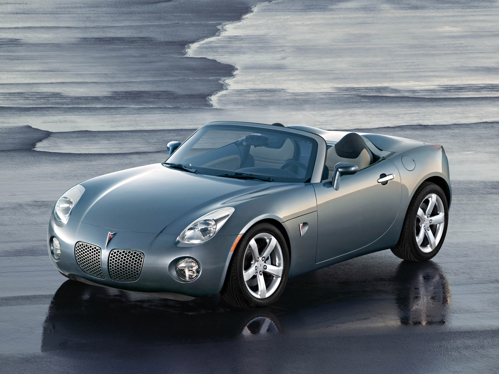 2006 Pontiac Solstice Roadster - Wet - 1600x1200 Wallpaper