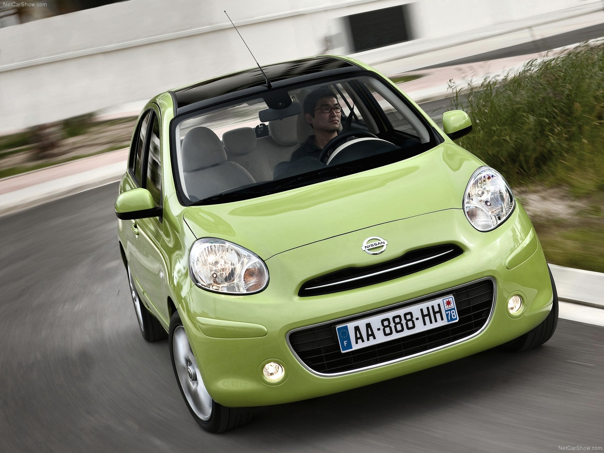 Nissan Micra (2011) with pictures and wallpapers