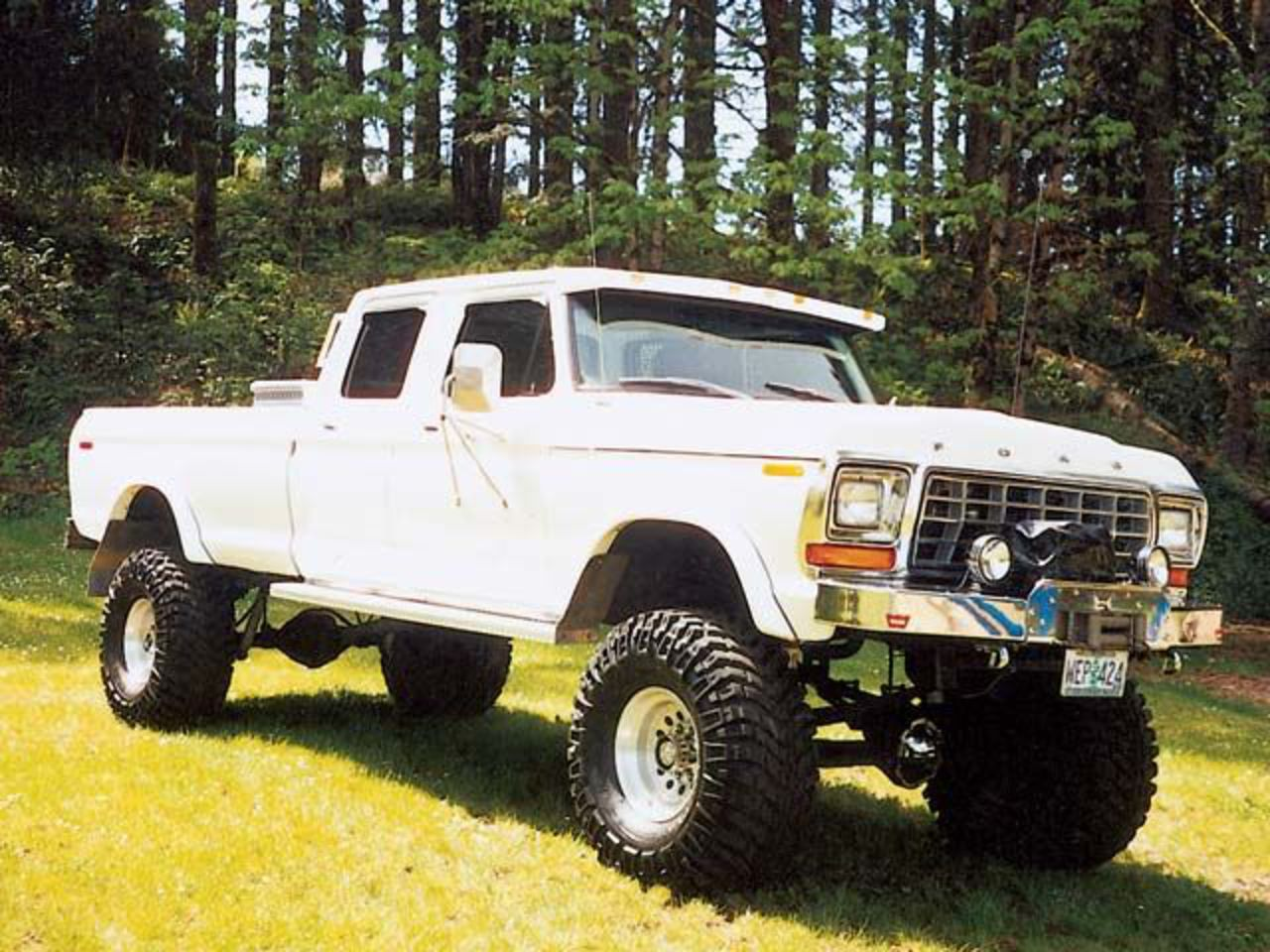 Topworldauto Photos Of Ford F 250 Crew Cab Photo Galleries 1964 1978 Front Passenger Side View