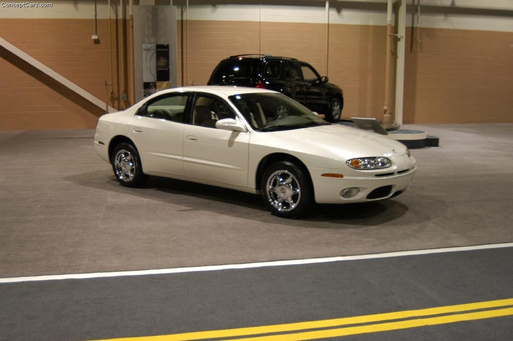 Auction results and data for 2003 Oldsmobile Aurora | Conceptcarz.