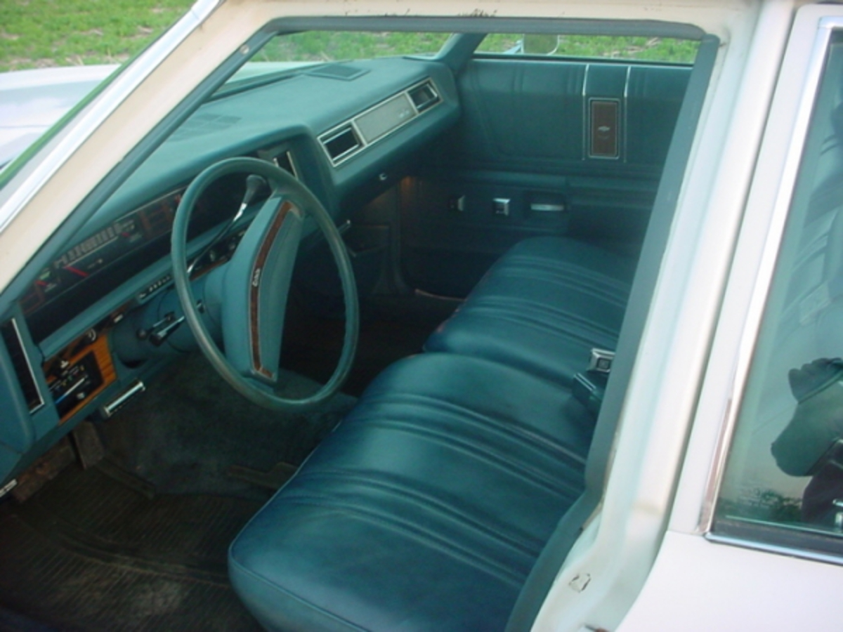 1975 Chevrolet Caprice Estate Wagon with a 400 small block