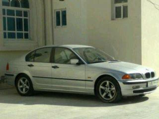 Lady owned BMW 319i for sale