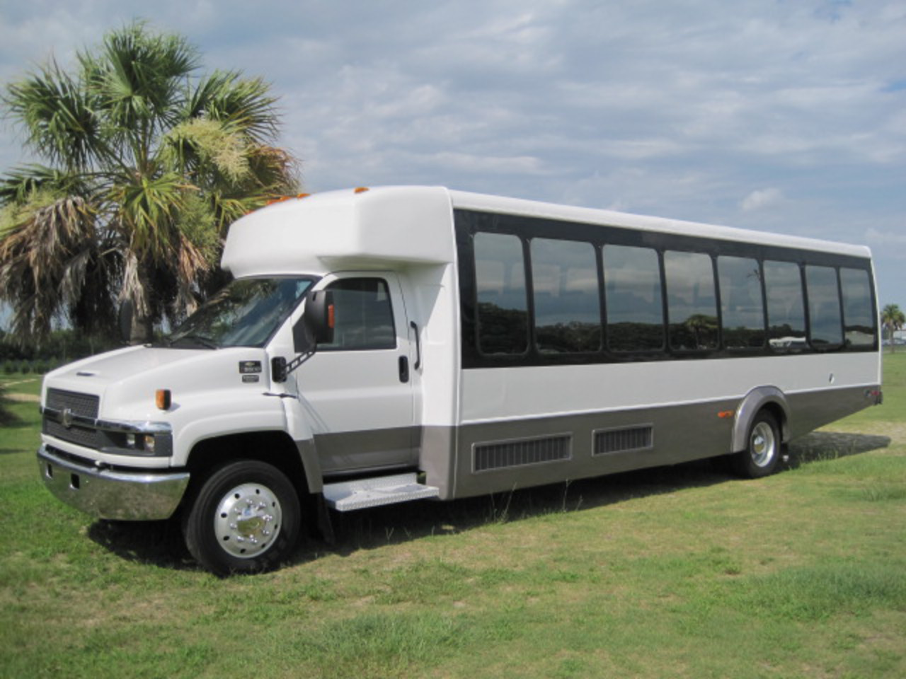 All Chevy chevy c5500 bus : TopWorldAuto >> Photos of Chevrolet C5500 - photo galleries