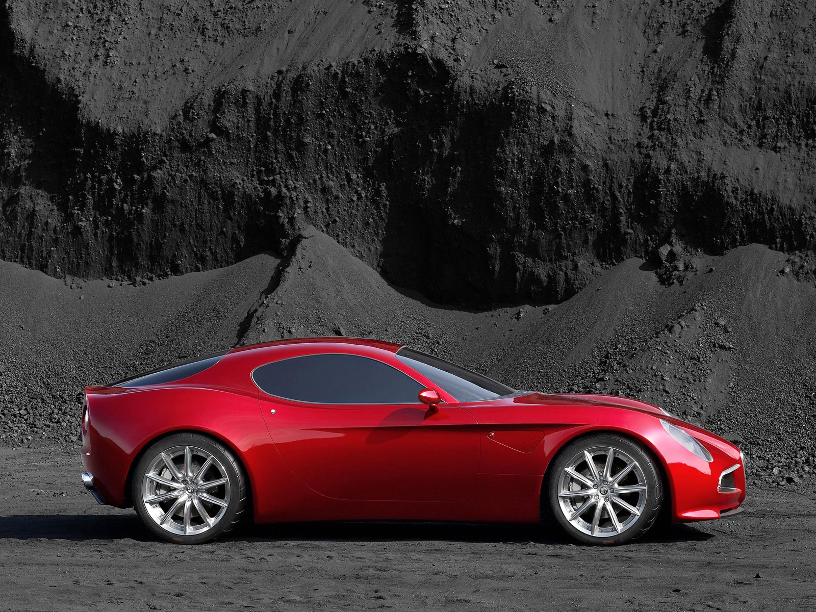 You are here: Home / Alfa Romeo Wallpapers / Alfa-Romeo-8C-Competizione-004