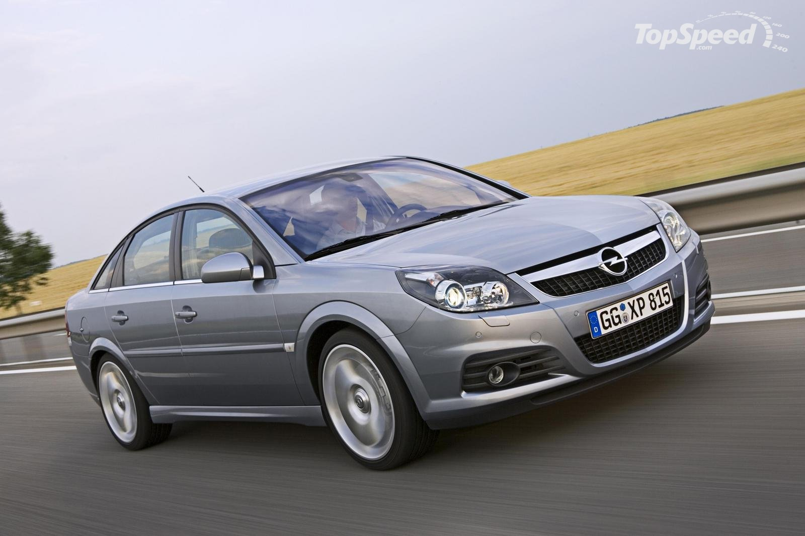 Opel Vectra 1600 - huge collection of cars, auto news and reviews,