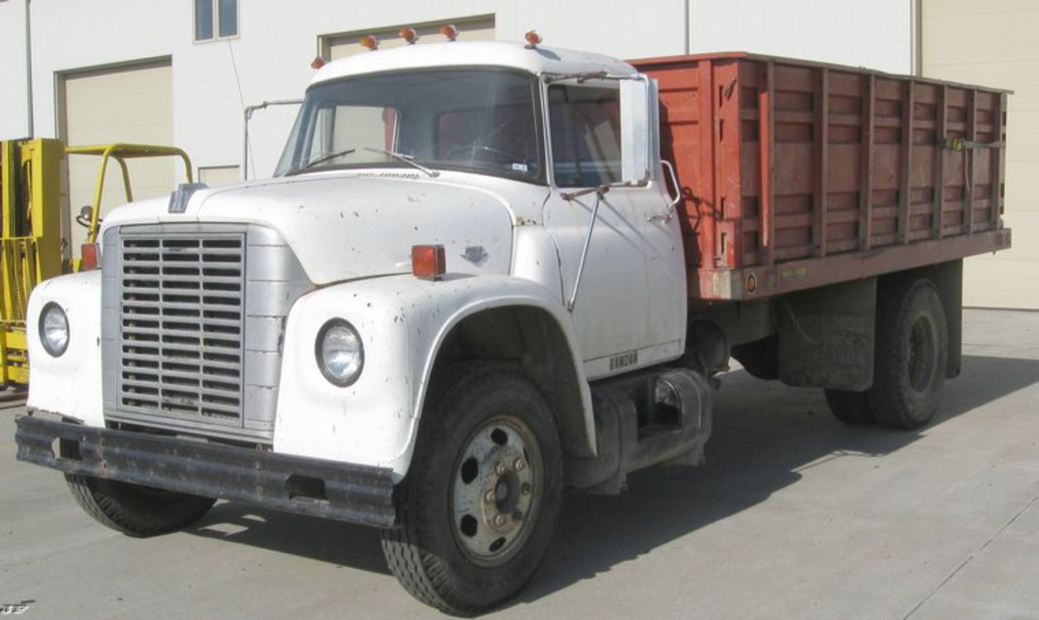 Topworldauto Photos Of International Loadstar Photo Galleries 1971 Ford Dump Truck 1700 Two Ton No Reserve