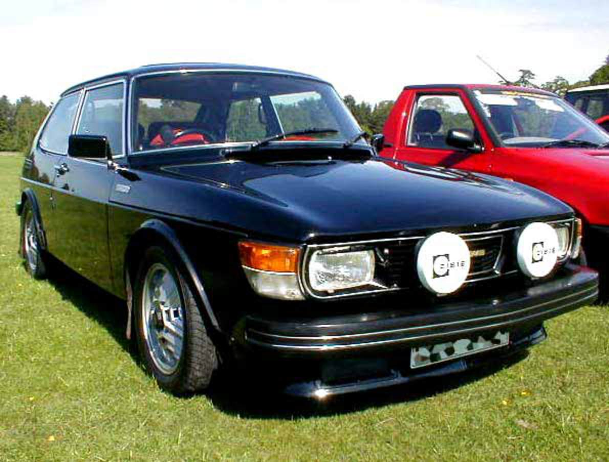 SAAB 99 turbo photograph