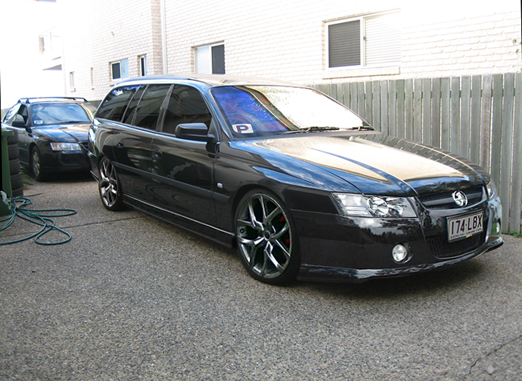 TopWorldAuto >> Photos of Holden Commodore VZ Wagon - photo galleries