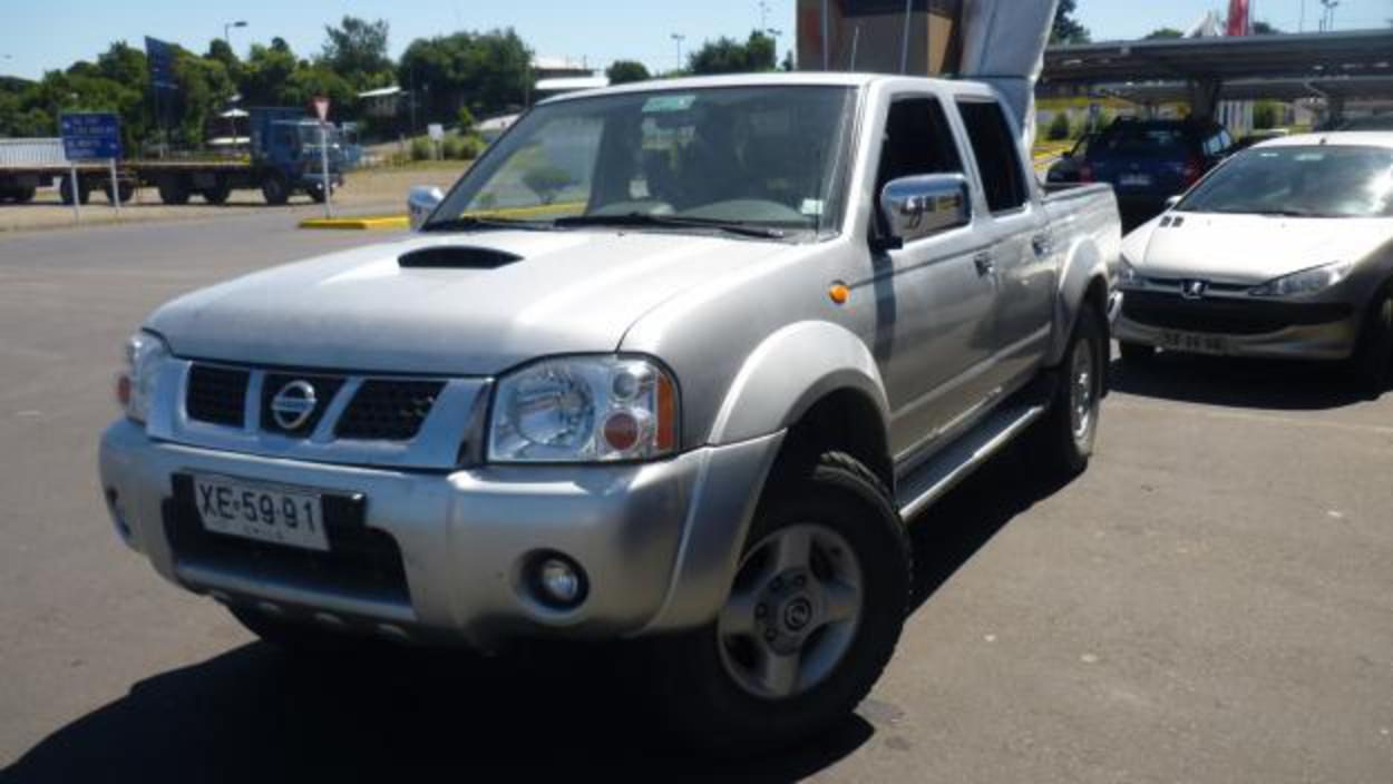 topworldauto photos of nissan terrano 25 di crew cab 4x4 photo galleries. Black Bedroom Furniture Sets. Home Design Ideas