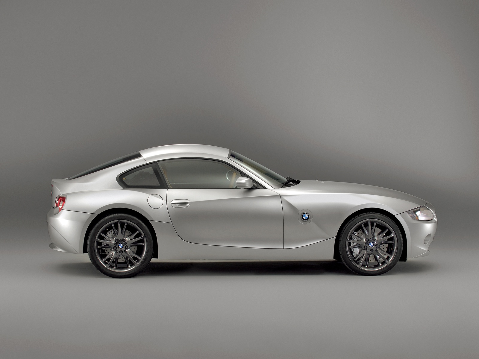 BMW Z4 M Coupe silver wallpaper