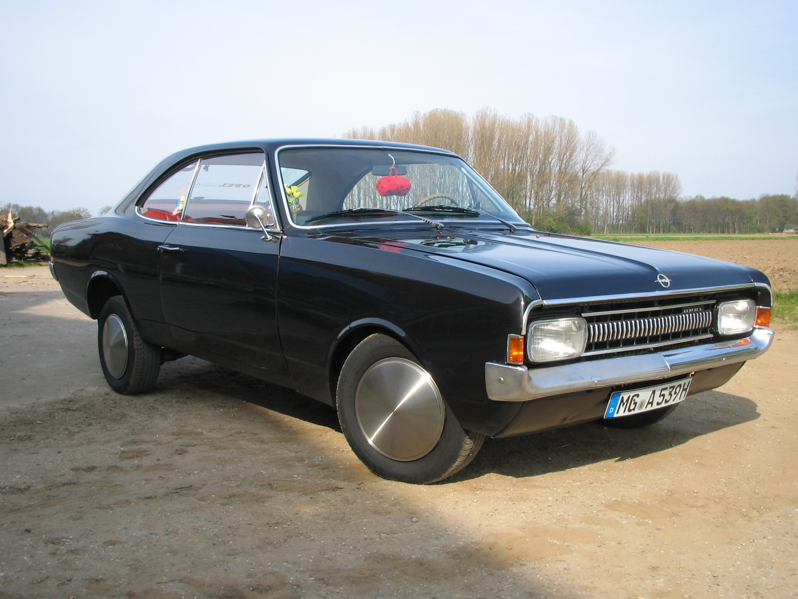opel-rekord-coupe-15