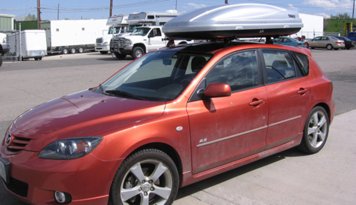 2006 Mazda 3 5dr cargo box/cargo carrier roof rack, Yakima Landing Pad 7