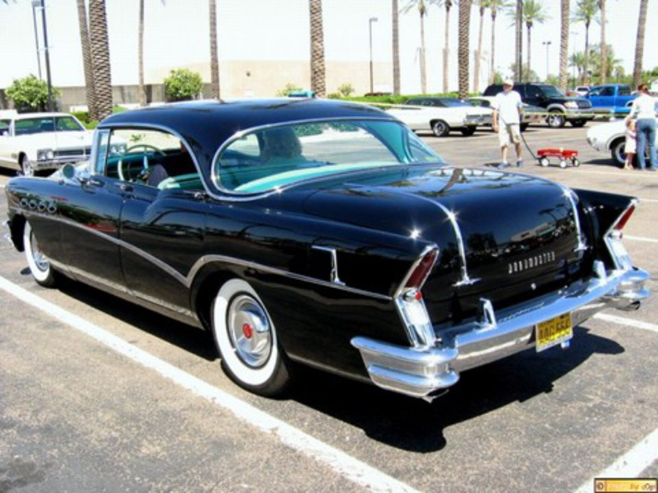 1956 Buick Roadmaster 4dr ht sdn Blk lsrv (800x600) doby