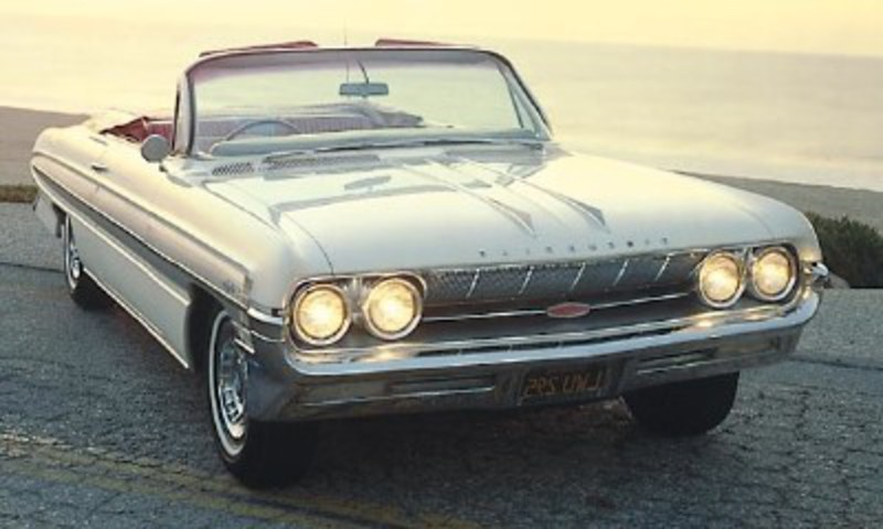 This 1961 Oldsmobile Starfire convertible was part of the 1961-66 Oldsmobile