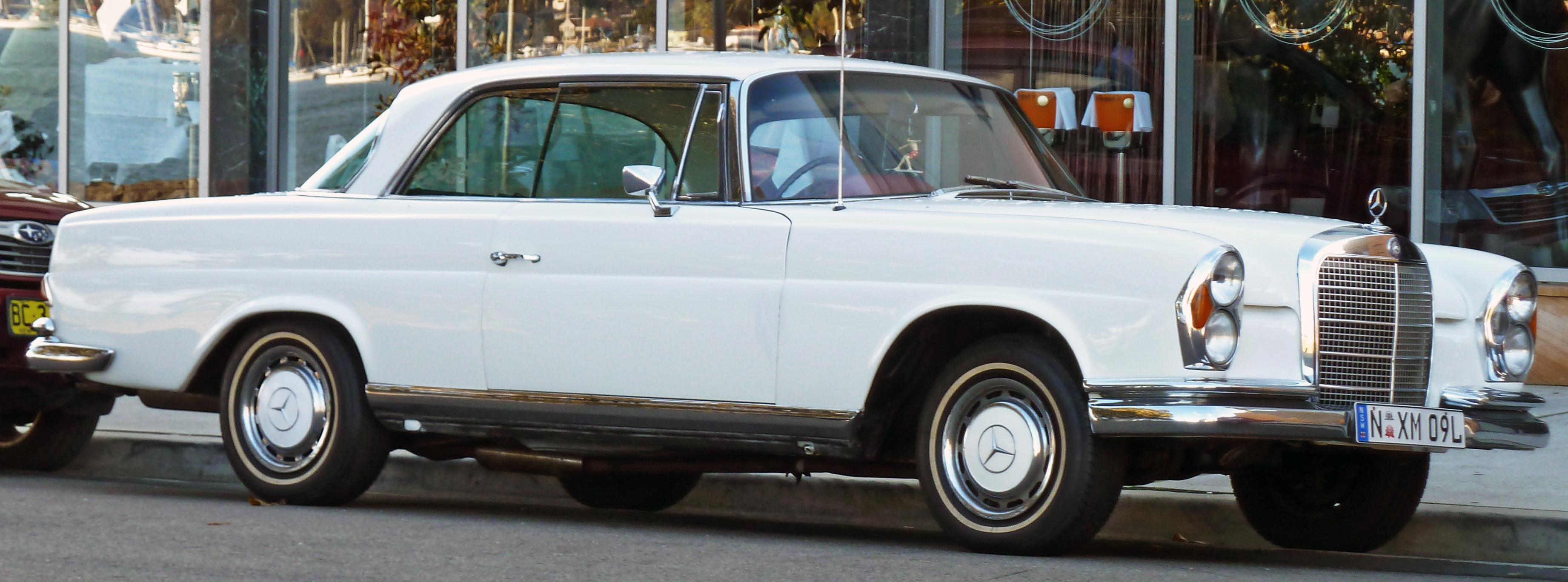 File:1968-1971 Mercedes-Benz 280 SE (W111) coupe 01.