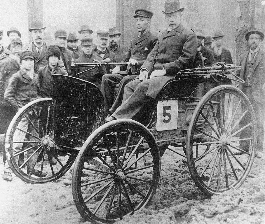 history of the automobile The history of automobiles is a long, and laborious one from the first self propelled road vehicle created in the 1790's, to the modern road machine of today, it hasn't been an easy road to follow (no pun intended) for the automobile.