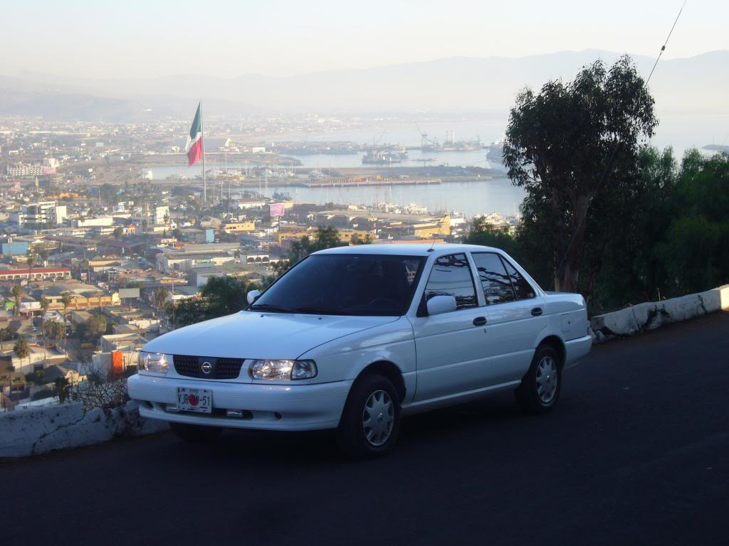 Hello there, this is my ride. It's a Mexican B13, named Tsuru.