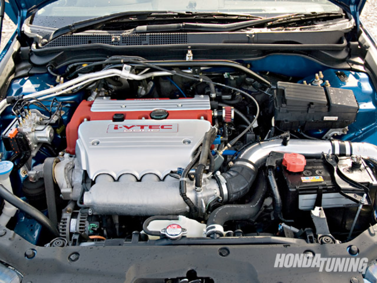The engines arent inverted. Honda's k-series engines have the intake