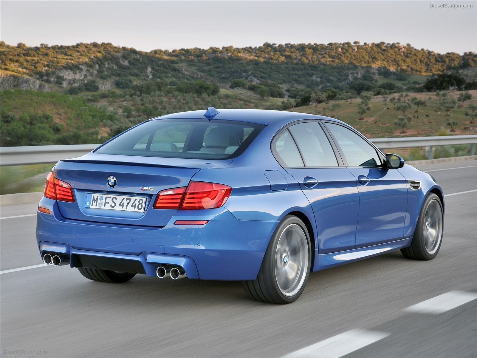BMW M5 Saloon 2012 - Car Wallpapers at Dieselstation