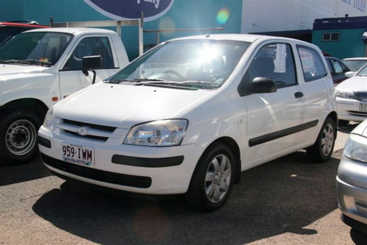 Front left White 2002 Hyundai Getz GL Car Picture